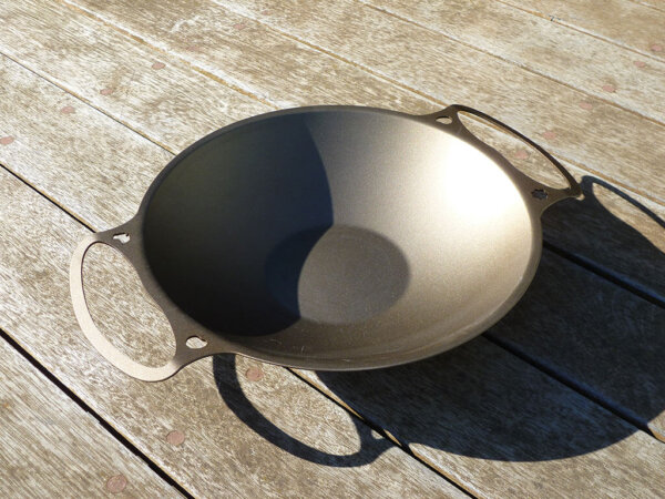 35cm Formed-iron Dual Handled Wok - Solidteknics
